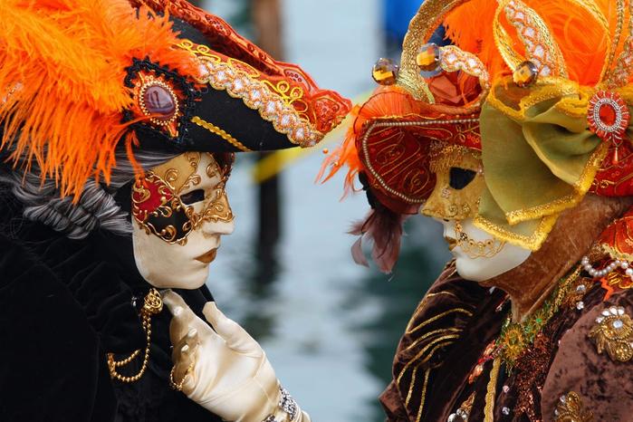 Как сделать карнавальную венецианскую маску Джокер (1) (700x466, 434Kb)