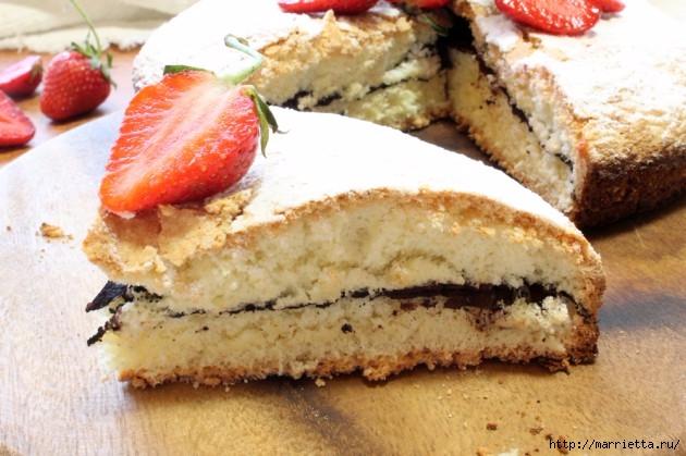 Бисквитный пирог с клубникой. Пошаговый рецепт (4) (630x419, 185Kb)