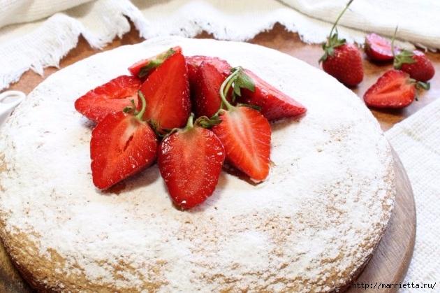 Бисквитный пирог с клубникой. Пошаговый рецепт (1) (630x419, 197Kb)