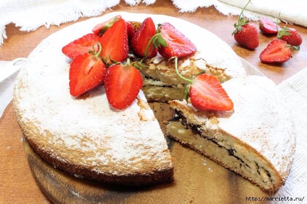 Бисквитный пирог с клубникой. Пошаговый рецепт (15) (630x419, 223Kb)