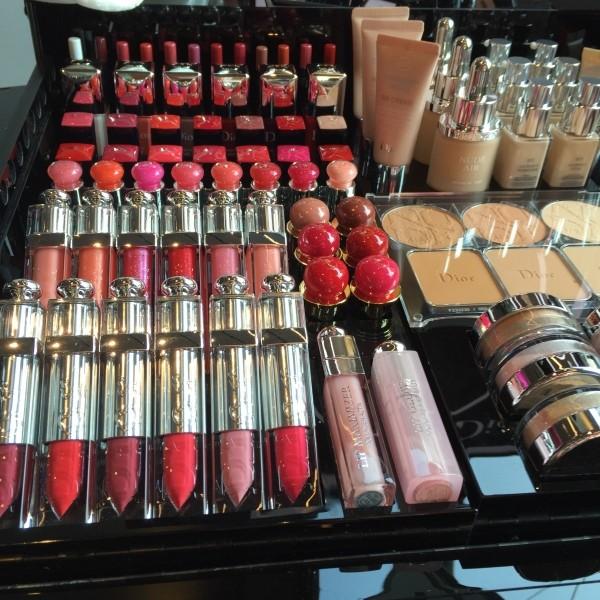 6029120_cosmeticslipstickshopshowcasediormakeup (600x600, 120Kb)