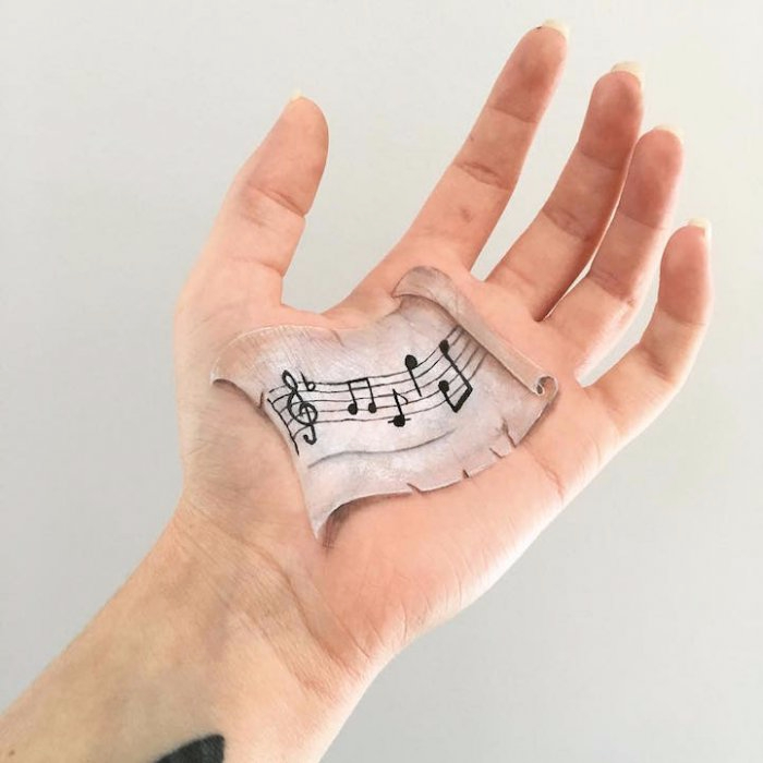 боди арт на руках Лиша Симпсон 12 (700x700, 209Kb)