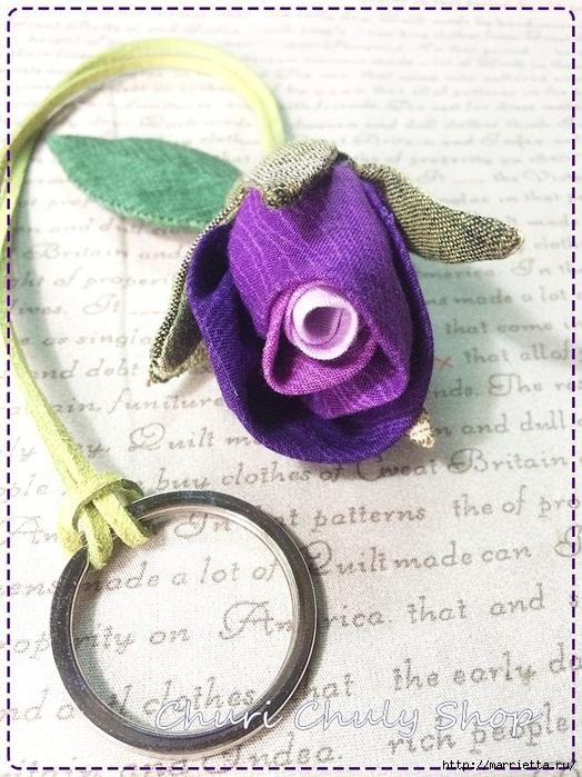 Розы из ткани. Подвеска для брелка своими руками (17) (524x700, 324Kb)