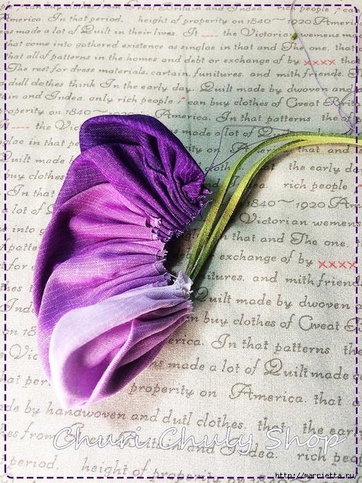 Розы из ткани. Подвеска для брелка своими руками (30) (524x700, 398Kb)