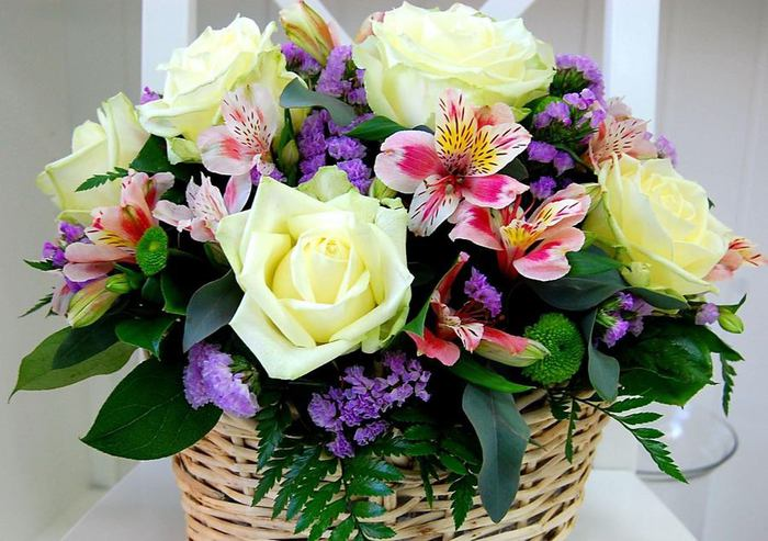 Скачивание изображения: розы, цветы, композиция 478600 / разрешение: original / раздел: праздники / hallpicru