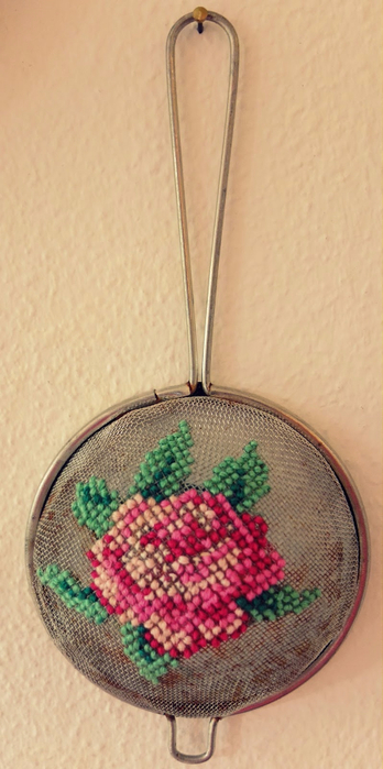 Креатив для любительниц вышивки. Вышиваем на ситечке (1) (348x700, 262Kb)