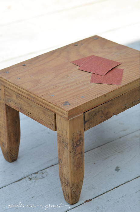 sanding wood footstool (463x700, 250Kb)