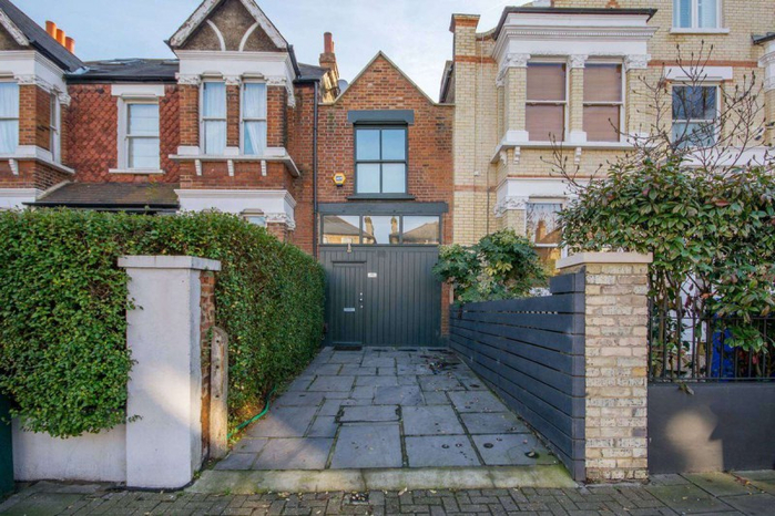 узкий дом в лондоне 1 (700x466, 421Kb)