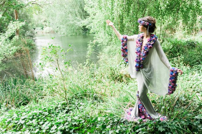 floral_bridal_dress_chelsea_flower_show (700x465, 568Kb)