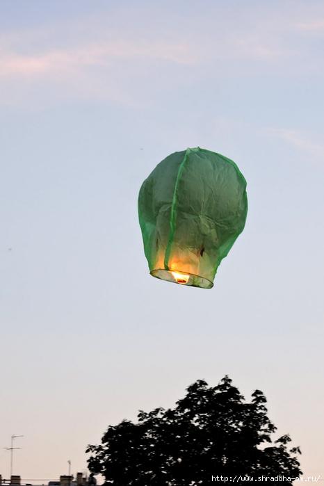 летающие фрнарики, СПб (4) (466x700, 127Kb)