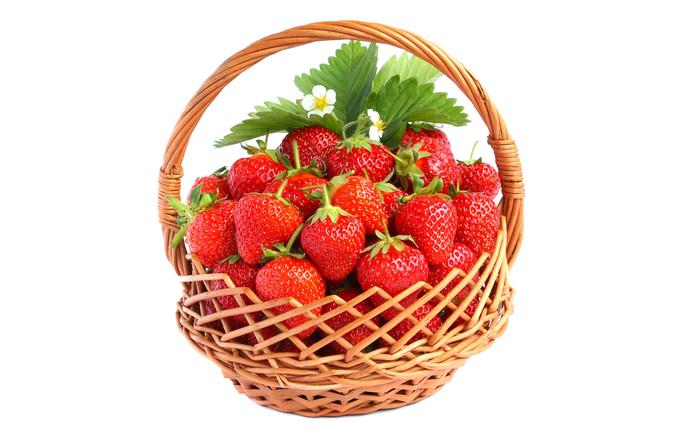 ягоды в лукошке 9 (700x437, 243Kb)
