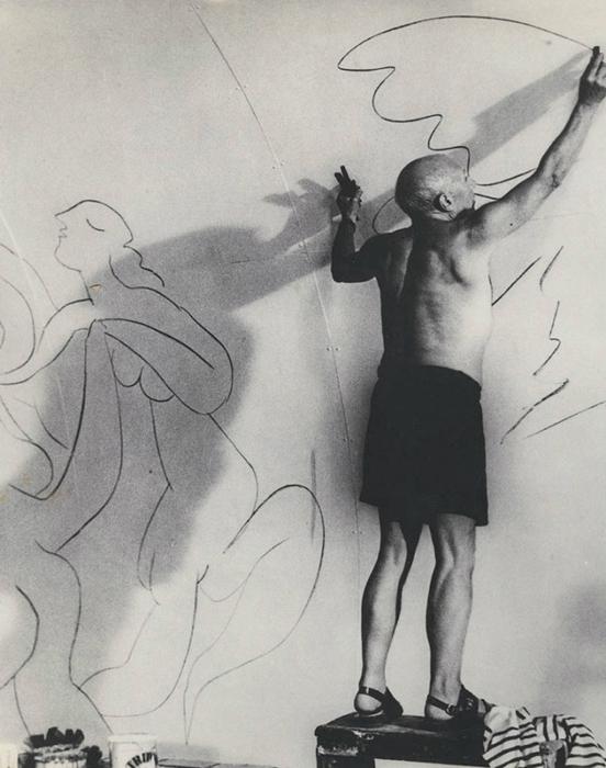 5187787_Brassa__Picasso_drawing_1960s (552x700, 232Kb)
