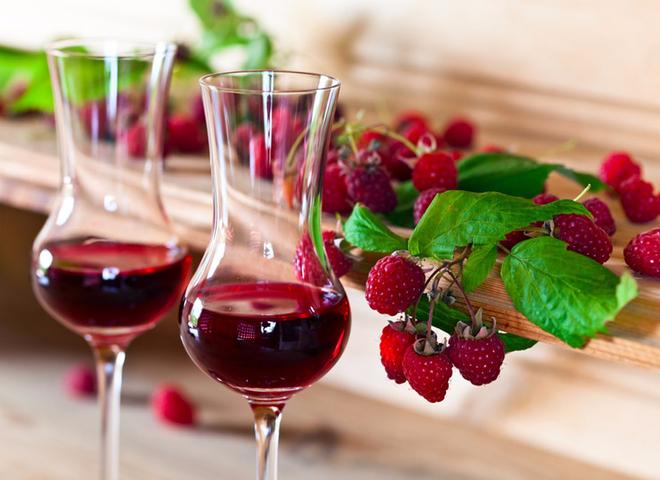 b42_vino_iz_maliny_depositphotos_89488308 (660x480, 369Kb)