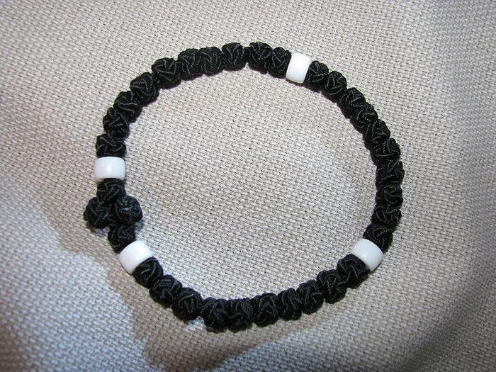 800px-Prayer_rope_-_Bracelet (700x525, 121Kb)