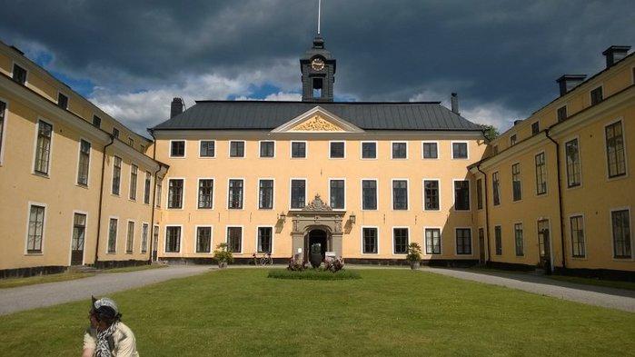 53_Ulriksdal_Palace Stockholm_1 (700x393, 55Kb)