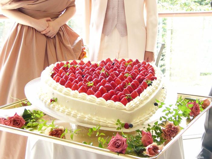 krasivyj-svadebnyj-tort_07 (700x525, 456Kb)
