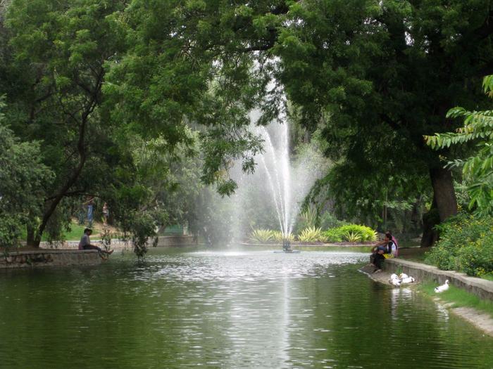 fontan-v-sadah-Lodi (700x525, 477Kb)