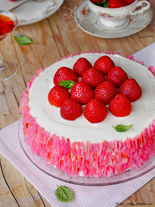 coconut_cake_strawberries_5 (525x700, 350Kb)