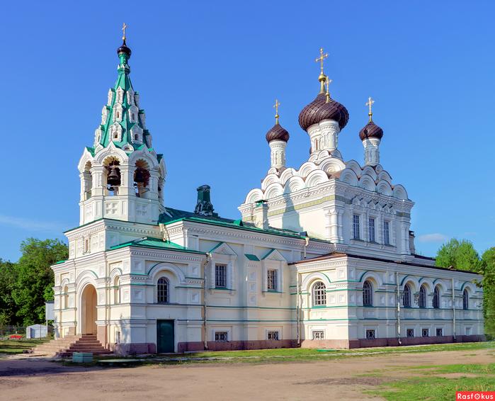 Церковь во имя Святой Троицы (700x566, 408Kb)