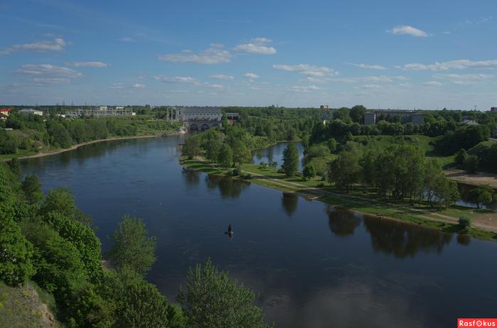 Река Нарва с Ивангор крепости (700x462, 292Kb)