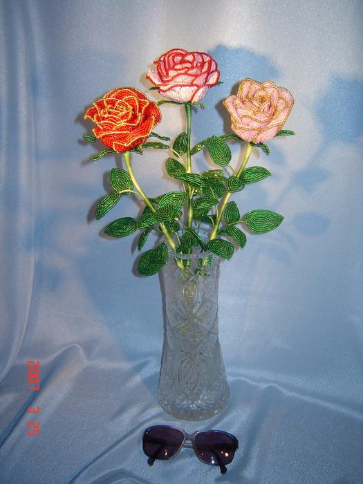 Розы из бисера (7) (525x700, 425Kb)
