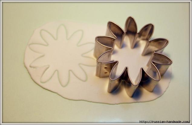 Ромашки из полимерной глины. Мастер-класс (10) (635x416, 72Kb)