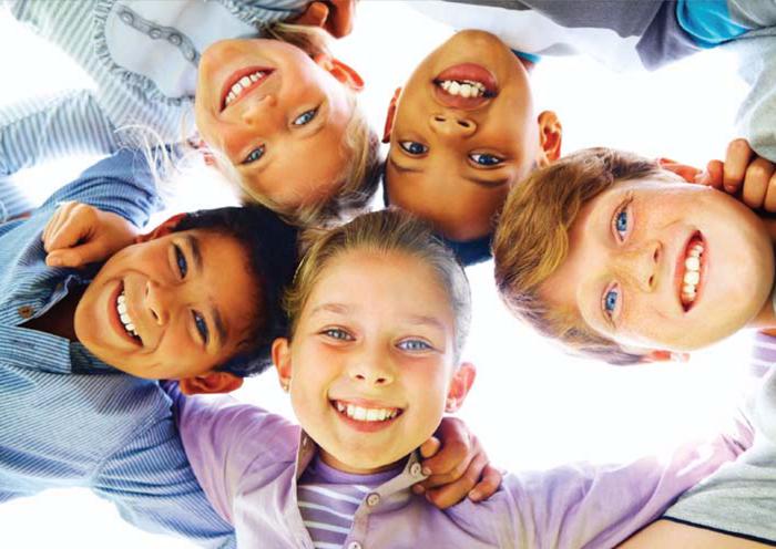 happy-group-of-kids (700x496, 341Kb)