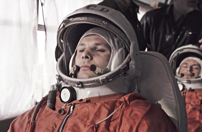 Юрий Гагарин — гражданин Земли: история и фотографии первого космонавта