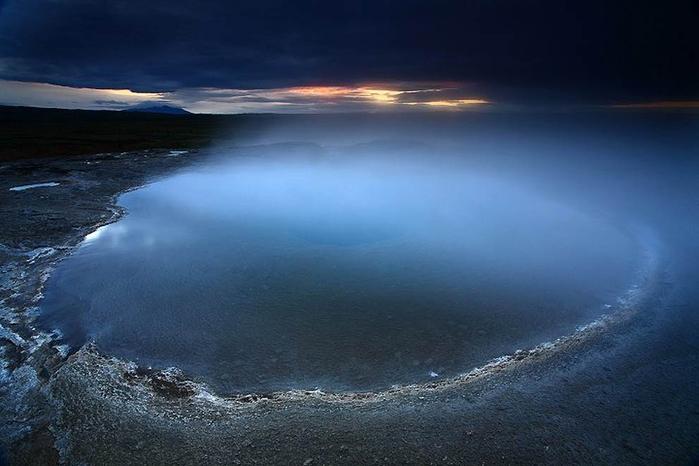 4. Гейсир — самый первый гейзер «Золотого кольца Исландии» (700x466, 246Kb)