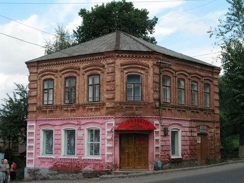 Бывший особняк купца Новожилова. г. Фурманов. (480x360, 167Kb)