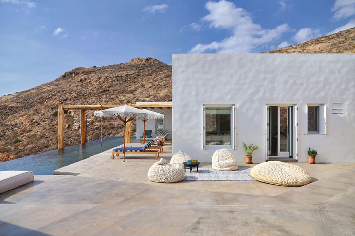 летний дом на острове сирос 2 (700x466, 335Kb)