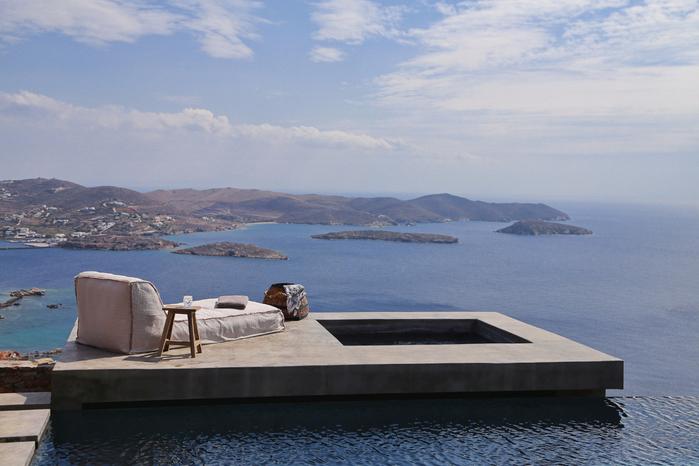 летний дом на острове сирос 4 (700x466, 378Kb)