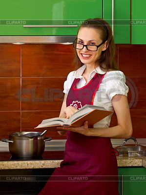 4432201_3330407youngwomanpreparinginkitchenwithcookbook (299x400, 138Kb)