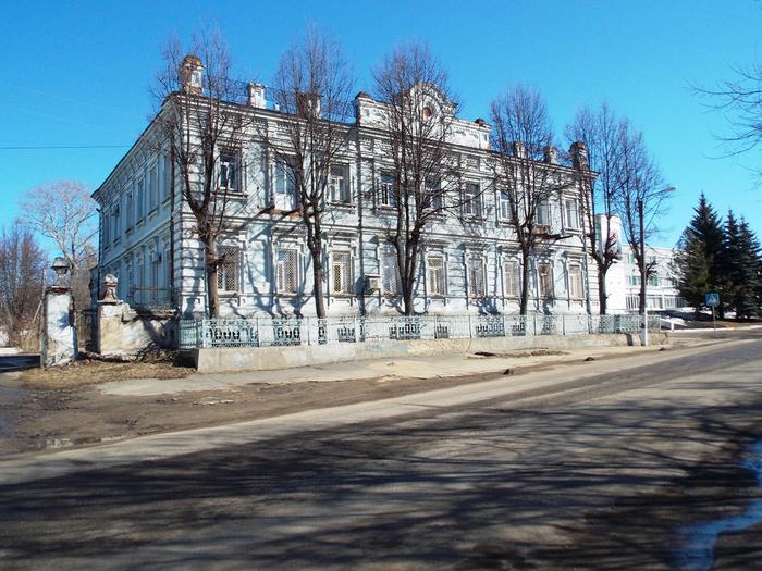 Город Фурманов. Бывший дом семьи Г. К. Горбунова. (700x525, 455Kb)