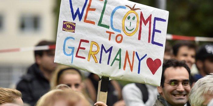 germany-refugee-facebook (700x350, 47Kb)