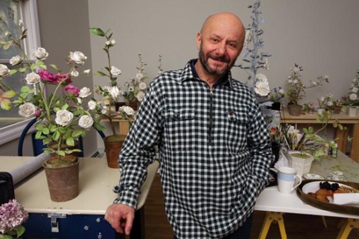 Vladimir-Kanevsky-porcelain-flowers-3 (700x466, 117Kb)