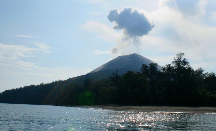 vulkan_krakatau_10 (700x423, 314Kb)