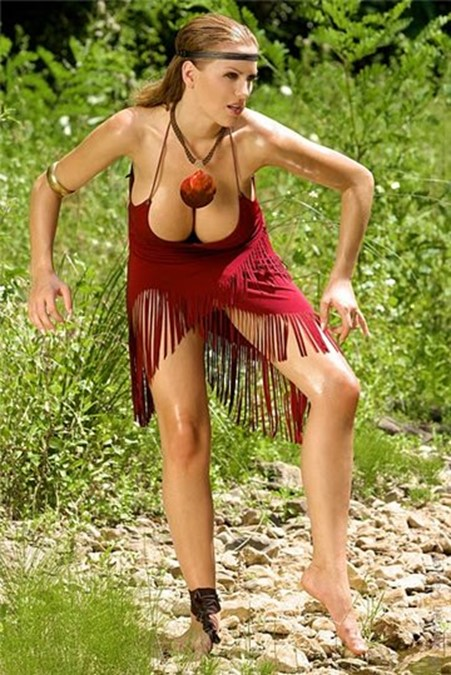 Эротичная Покахонтас   26 фото Джордан Карвер