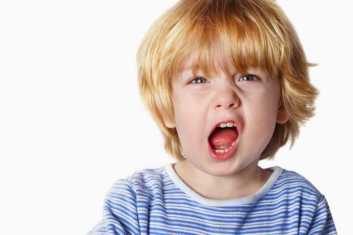 Ребенок хуже всего ведет себя с мамой (700x466, 50Kb)