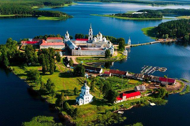 CrBohOrXgAAdeUSНилов монастырь Селегер (640x425, 400Kb)