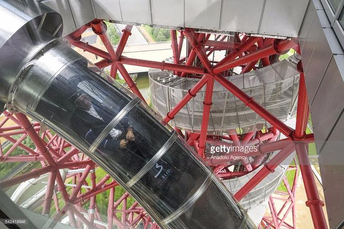 горка-тоннель в лондоне The ArcelorMittal Orbit 4 (700x466, 407Kb)