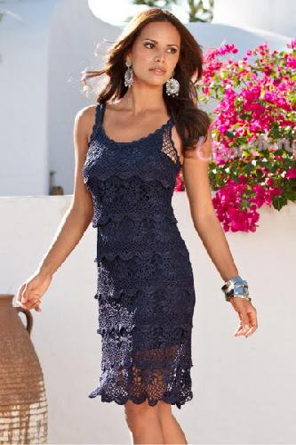Женское летнее платье из мотивов крючком