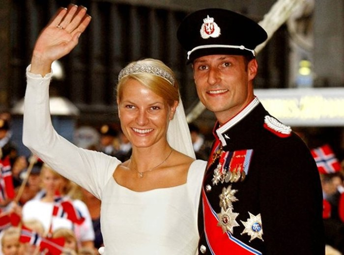 Жуткий мезальянс! Самые скандальные браки членов королевских семей в европейской истории