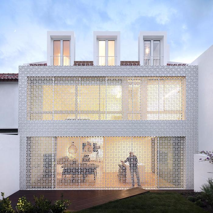 joao-tiago-aguiar-arquitectos-restelo-house-spain-designboom-01-818x818 (700x700, 602Kb)