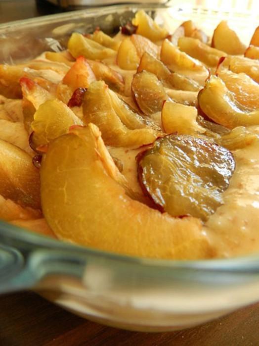 Миндальный пирог со сливами