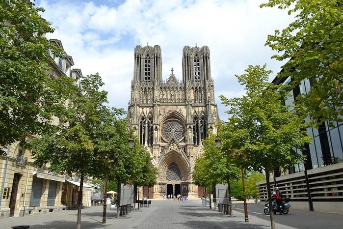 Реймсский собор, место коронации французских монархов