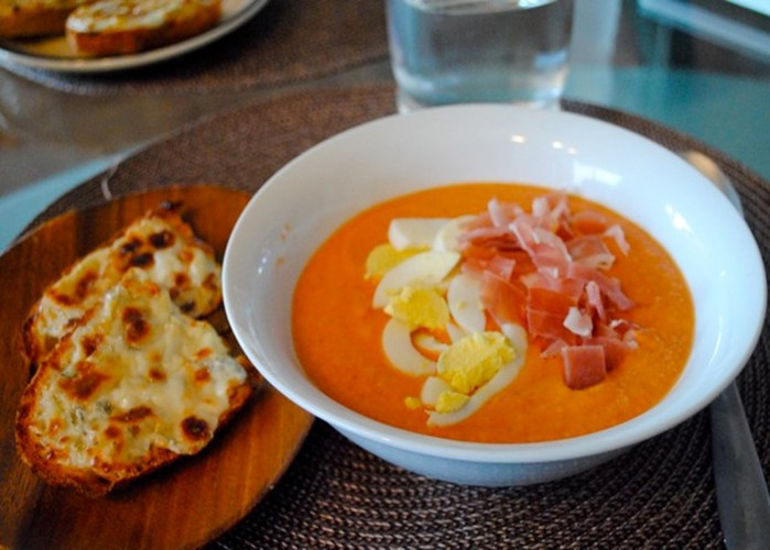 Испанская кухня! Холодный суп сальморехо