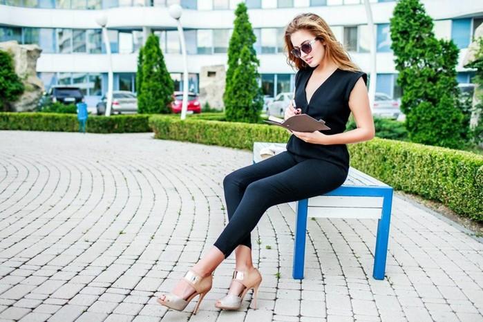 Женские хитрости: как сделать интересным даже «самый деловой» костюм