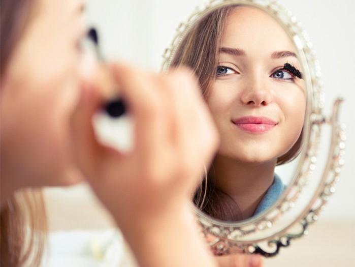 Не превращайся в клоунессу! 5 правил утреннего макияжа
