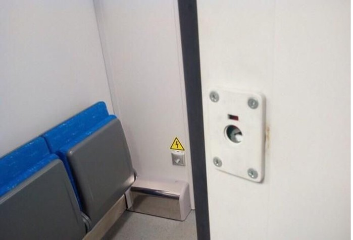 Новые поезда Ласточка в первый же день пассажиры превратили в свинарники